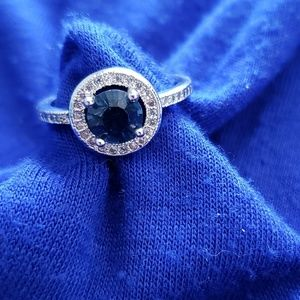 Sterling silver ring with sapphire stone size 6